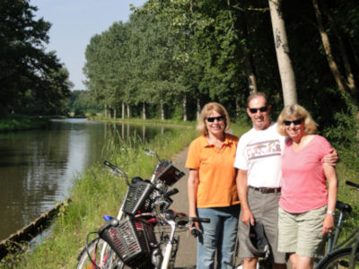 Biking the Canal du Centre north of Digoin