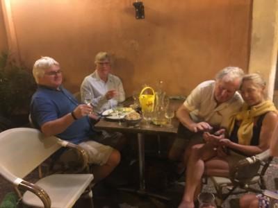 Irish dinner companions Capestang