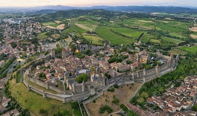 Aerial view of Carcassone (photo courtesy of Chensiyuan)