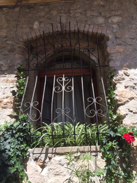 Villefranche house window